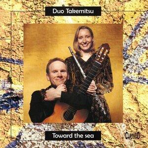 Duo Takemitsu Foto artis