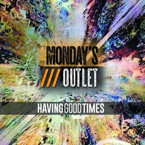 Monday's Outlet Foto artis
