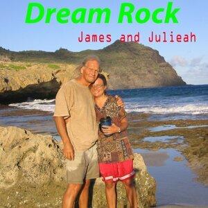James and Julieah Foto artis