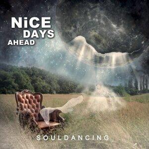 Nice Days Ahead Foto artis