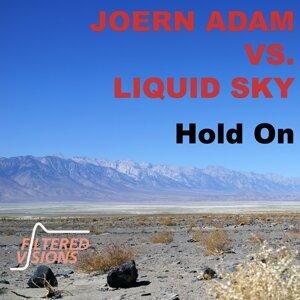 Joern Adam vs. Liquid Sky Foto artis