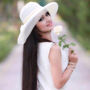 Mehrnigori Rustam Foto artis