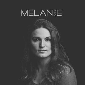Melanie Anne Foto artis
