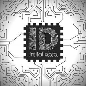 Initial Data Foto artis