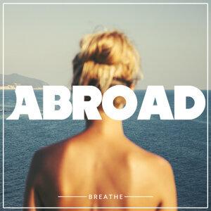 Abroad Foto artis