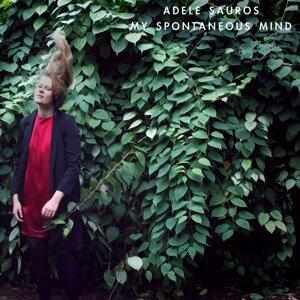 Adele Sauros Foto artis