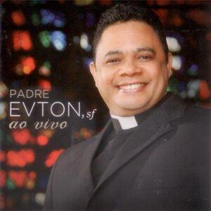 Padre Evton Foto artis