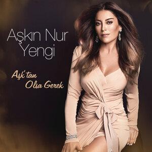 Askin Nur Yengi Foto artis