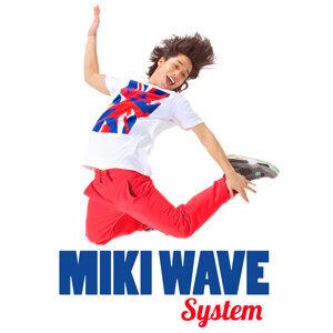 Miki Wave (Miki Wave) Foto artis