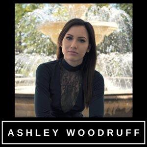 Ashley Woodruff Foto artis