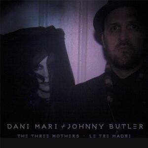 Dani Mari, Johnny Butler Foto artis