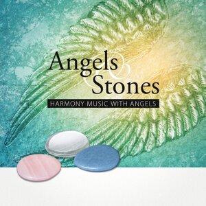 Angels & Stones Foto artis