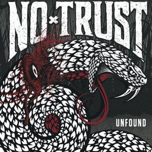 No Trust Foto artis