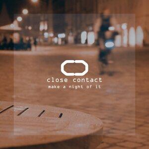 Close Contact Foto artis