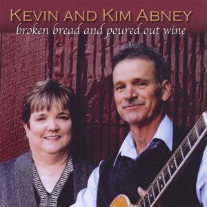 Kevin Abney, Kim Abney Foto artis