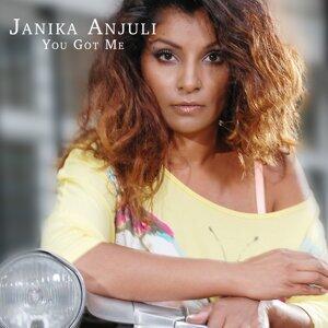 Janika Anjuli Foto artis