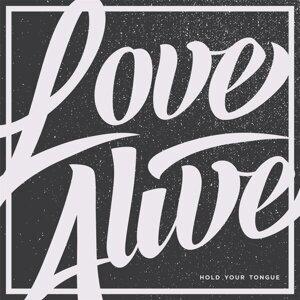 Love Alive Foto artis