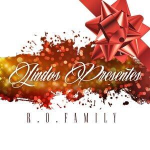 R.O. Family Foto artis