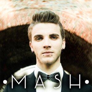MASH Foto artis