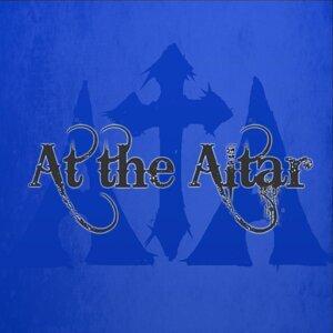 At the Altar Foto artis