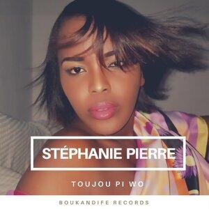 Stephanie Pierre Foto artis