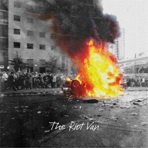 The Riot Van Foto artis