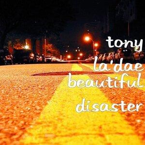 Tony La'dae Foto artis
