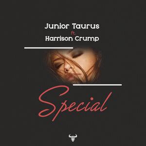 Junior Taurus Foto artis