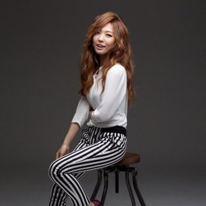Hi.ni (하이니) 歌手頭像