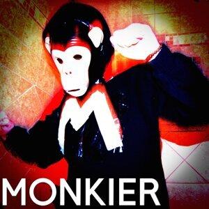 Monkier Foto artis