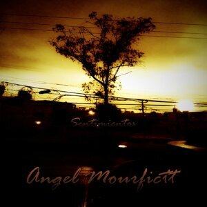 Angel Mourfictt Piña Foto artis