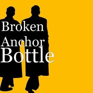 Broken Anchor, Brad Gordon Foto artis