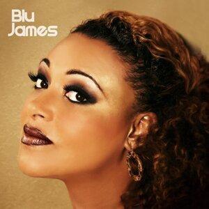 Blu James Foto artis