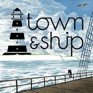 Town & Ship Foto artis