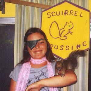 Squirrel Crossing Foto artis