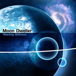 Moon Dweller Foto artis