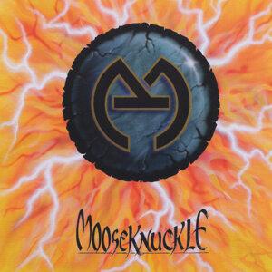 MooseKnuckle Foto artis