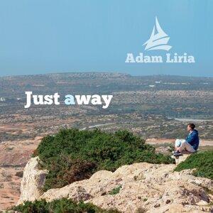 Adam Liria Foto artis