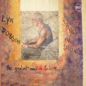 Lyn Dobson Foto artis