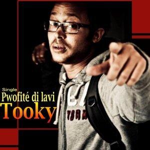 Tooky Foto artis