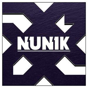 Nunik Foto artis