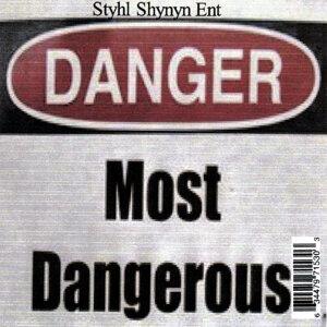Most Dangerous Foto artis