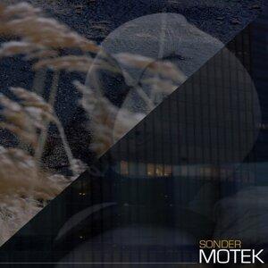 Motek Foto artis