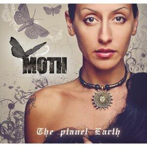 Moth Foto artis