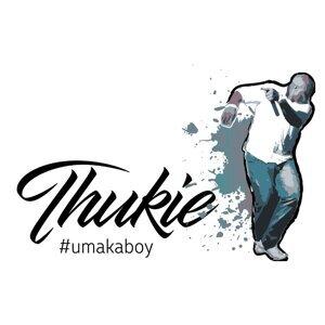 Thukie Foto artis