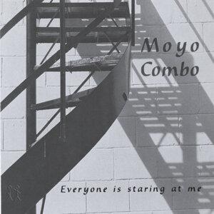Moyo Combo Foto artis