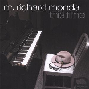 M. Richard Monda Foto artis