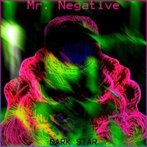 Mr. Negative Foto artis