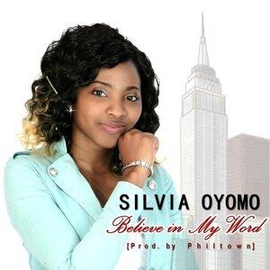 Silvia Oyomo Foto artis