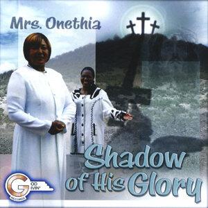 Mrs. Onethia Foto artis